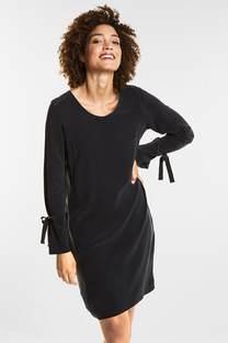 Feminines Kleid